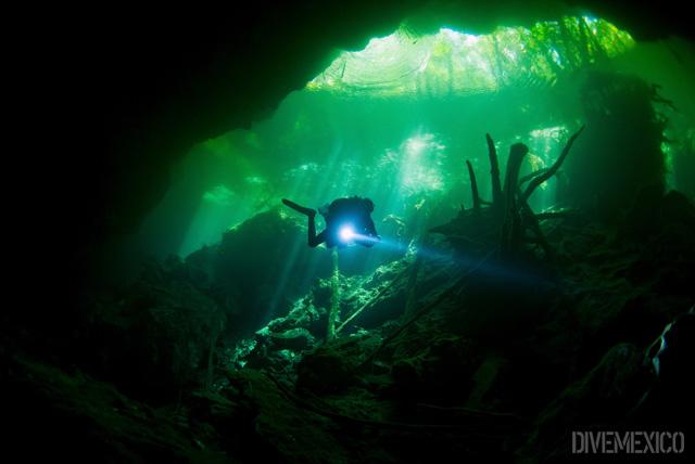 Cenote Chac Mool © Rogelio Mier / Divemexico